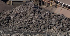 1200px-Lignite-coal