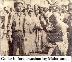 nathuram godse confronting gandhi before assassination