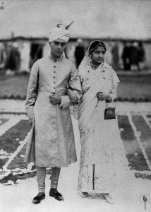 Jawaharlal_Nehru_with_Kamala_Nehru_after_marriage,_standing_outside_the_wedding_camp