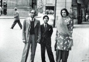 mian saheb with his wife and   son
