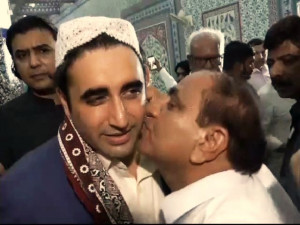 Bilawal-Kiss-And-Larkharana-30-06-2