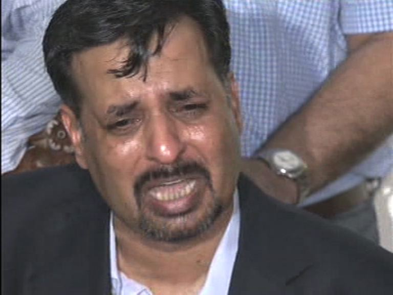 Mustafa Kamal crying - Politics Competition April 2016